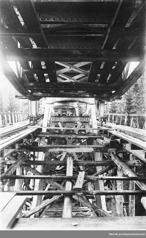 Utskifting av spenn på Funna viadukt